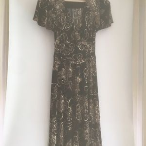 VAN HEUSEN BLACK FLORAL SPRING DRESS